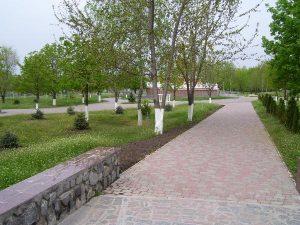 Парк Мира. Аллея