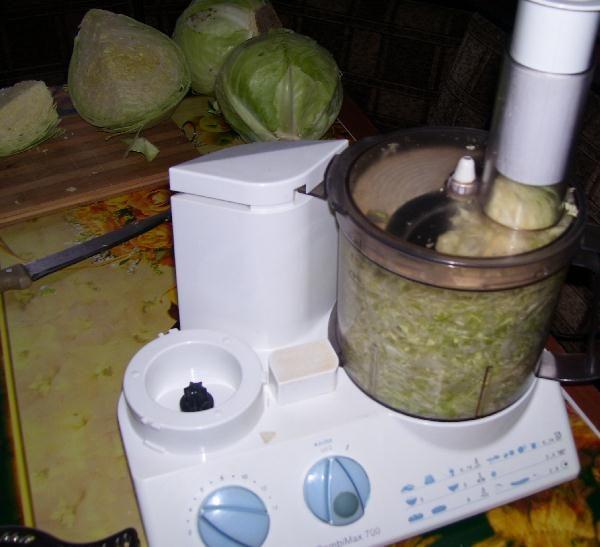 Кухонный комбайн - в помощь при приготовлении квашеной капусты