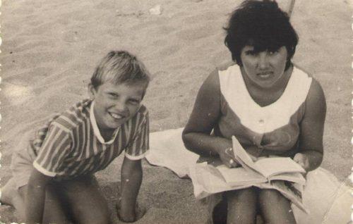 На пляже в 60-е годы
