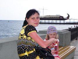 На лавочке на набережной Ялты