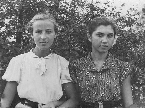 Сборник ретро фото: учащиеся Запорожского техникума