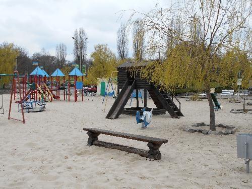 Детская площадка у Ахтамара