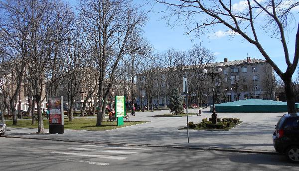 Весна в сквере Бабаева