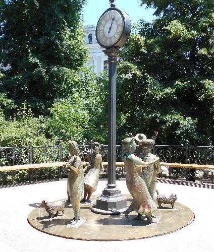 Скульптурный комплекс на дерибасовской