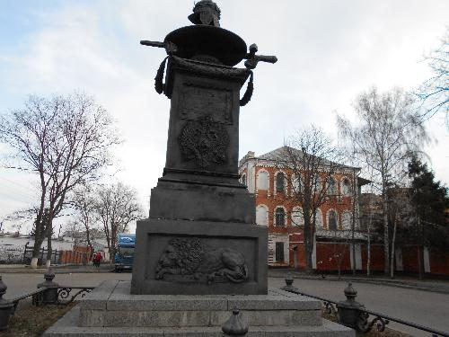 Памятники Полтавы