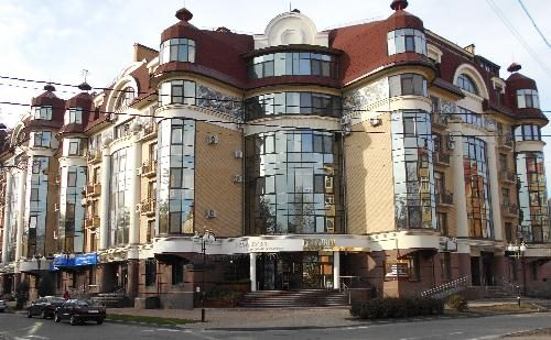 Современное здание на улице Филиппа Орлика