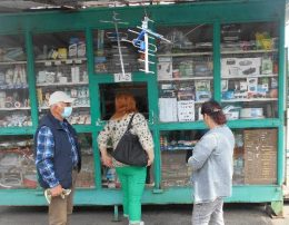 ТВ ларек на Троицком рынке